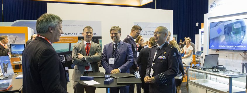 TNO and NLR investigating a simulation network for military training